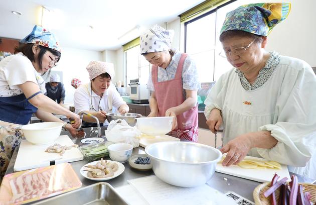 20180711_女性大学料理.JPG