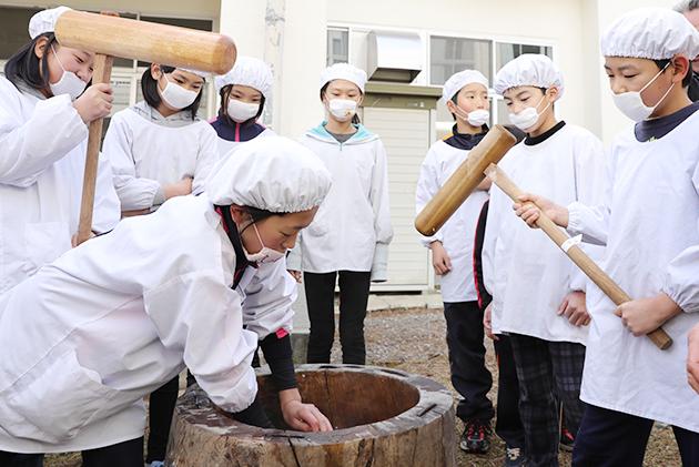 境小学校収穫祭1.JPG